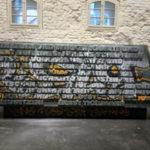 """Stele des Ernst-Thälmann-Denkmals (Ausstellung """"Enthüllt. Berlin und seine Denkmäler"""" in der Zitadelle Spandau)"""